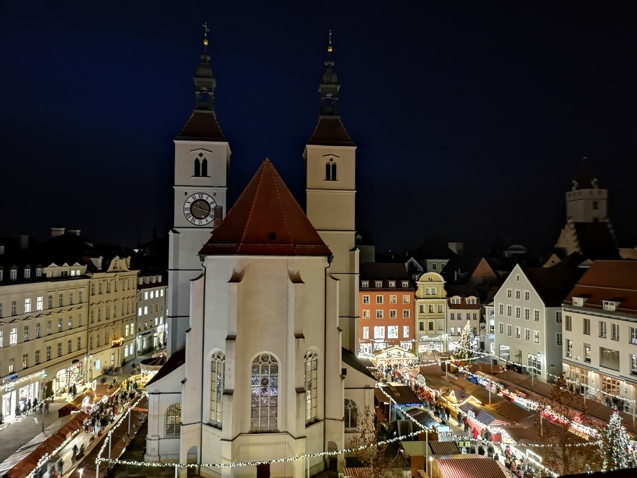 Neupfarrplatz Christkindlmarkt