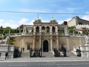 Burggarten Basar Budapest