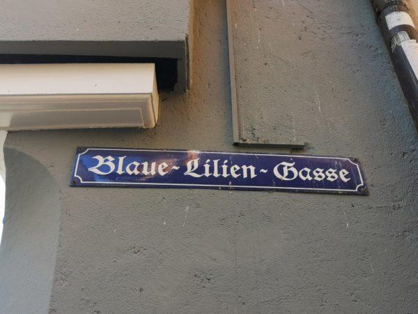 Blaue Lilien Gasse
